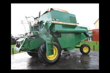 Moissonneuse batteuse John Deere Mb975 - 2