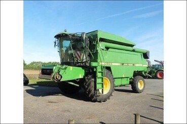 Moissonneuse batteuse John Deere 2064 - 1