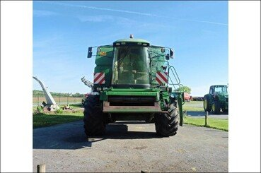 Moissonneuse batteuse John Deere 2064 - 2