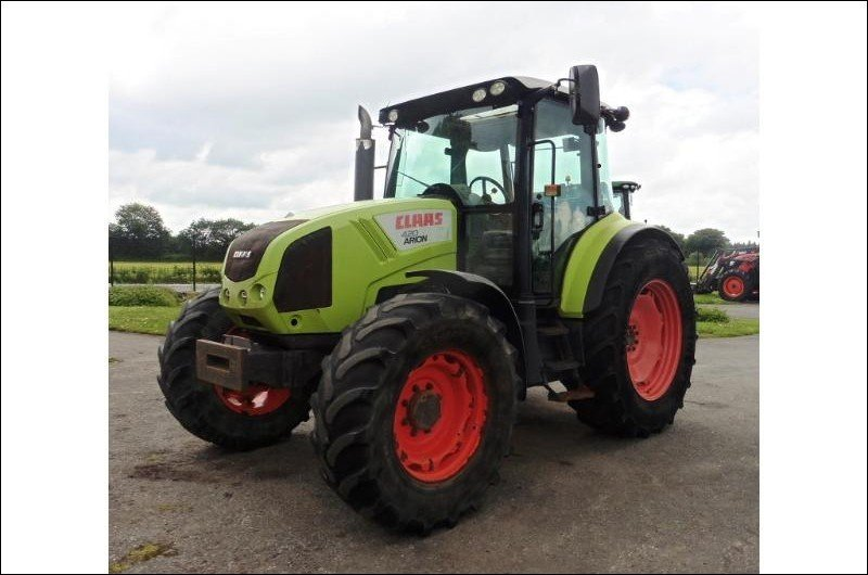 Tracteur agricole Claas Arion 420 - 1