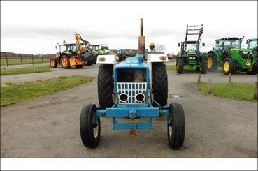 Tracteur agricole Ford 4000 - 6