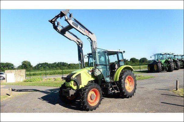 Tracteur agricole Claas Axos310