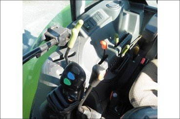 Tracteur agricole Claas Axos 310 - 3