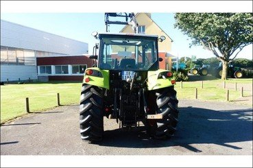 Tracteur agricole Claas Axos 310 - 4