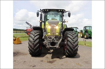 Tracteur agricole Claas Axion 830 cmatic - 2