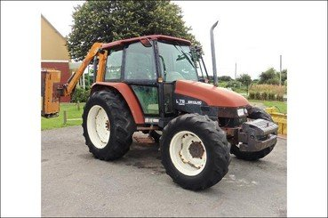 Tracteur agricole New Holland L75 - 1