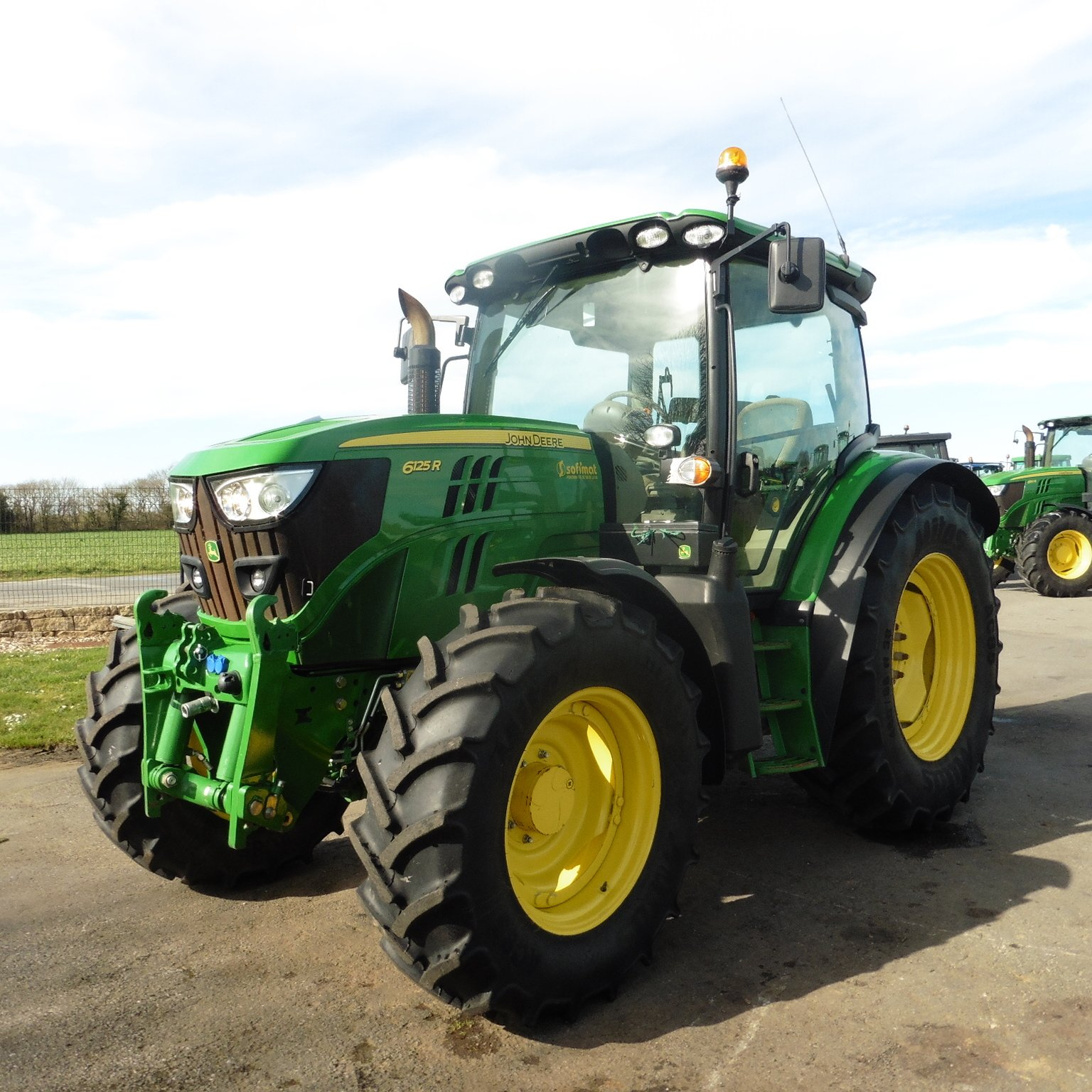tracteur agricole john deere 6125r vendre sur sofimat. Black Bedroom Furniture Sets. Home Design Ideas